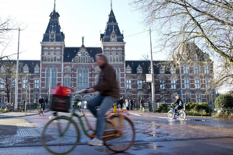 Amsterdam Amp Bruges Coach Tour International Friends